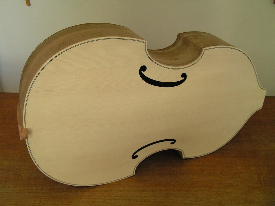 The finished body of the viol.